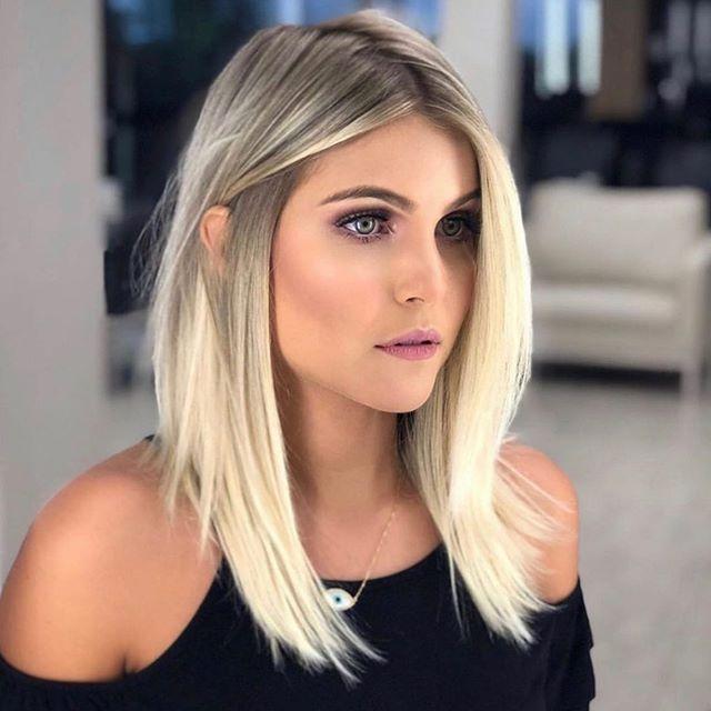 52 Erstaunlich Long Bob Frisuren Um Elegant Auszusehen In 2020 Perfect Blonde Hair Blonde Lob Hair Blonde Hair Color