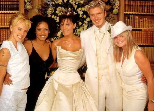 E S At David Victoria Beckham Wedding