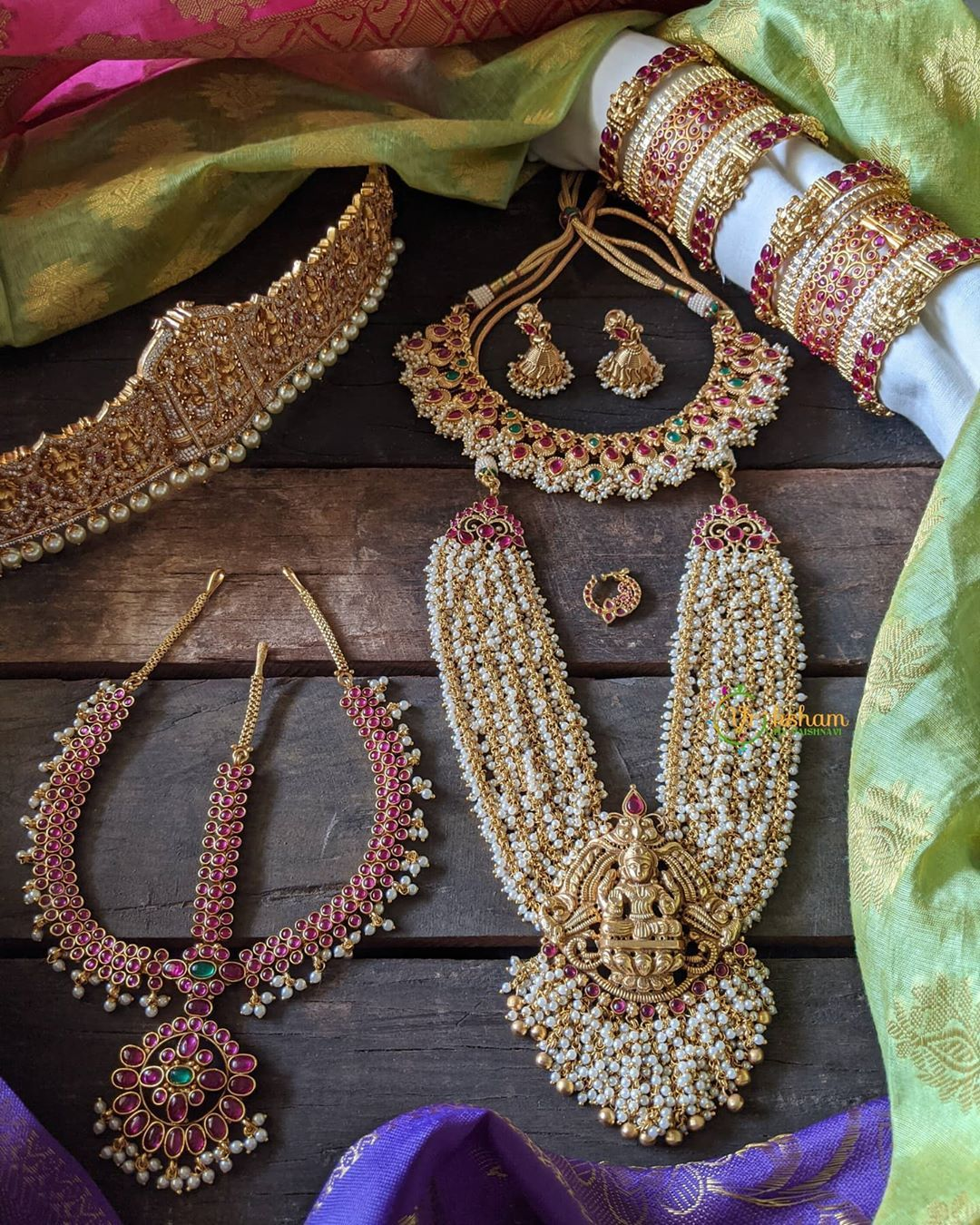 Bridal Jewellery Sets By The Brand Vriksham Contact Https Www Instagram Com V In 2020 Indian Jewelry Sets Indian Jewellery Design Earrings Antique Jewellery Designs