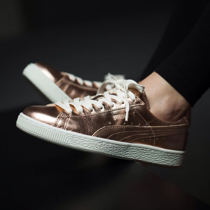 gold shoes puma