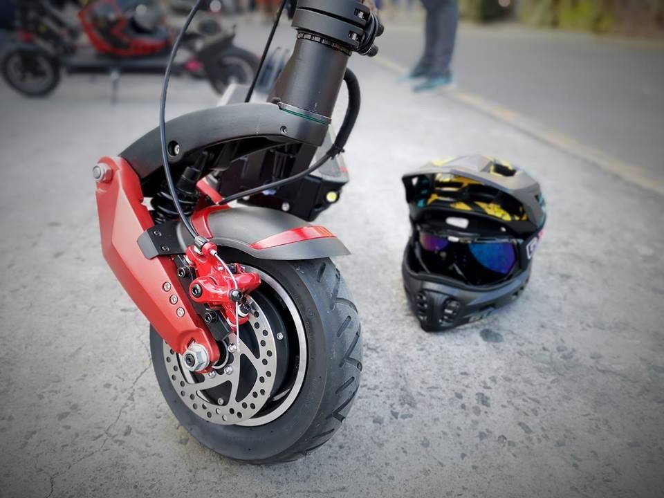 Safety First On The Zero 10x With Images Best Electric Scooter