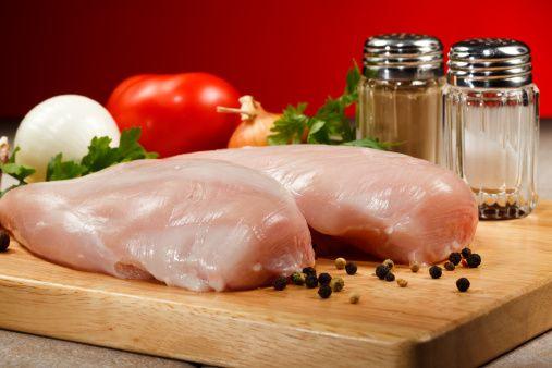 """Quando si tratta di ricette light è inevitabile affrontare l'ingrediente """"pollo"""". Purtroppo io non ho un buon rapporto con la carne, e in particolare con il pollo di cui riesco a malapena a mangiar..."""