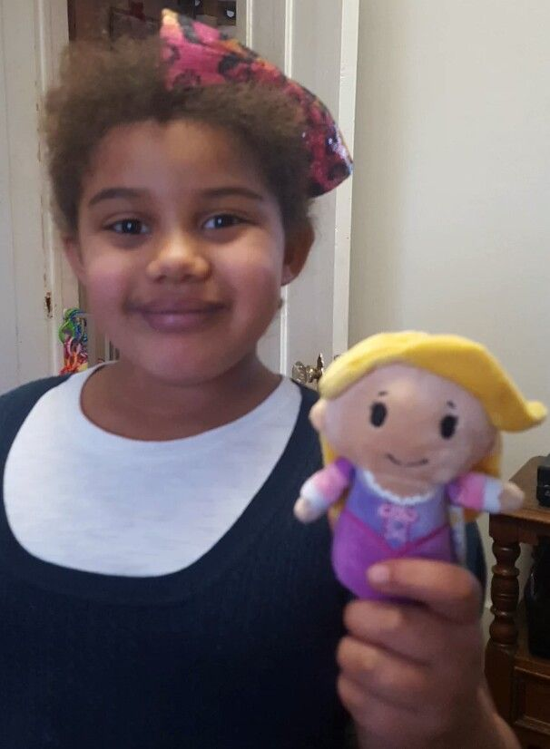 Aww look at her smile and who is in her grasp! #Rapunzel #disneyprincess #ittybittys