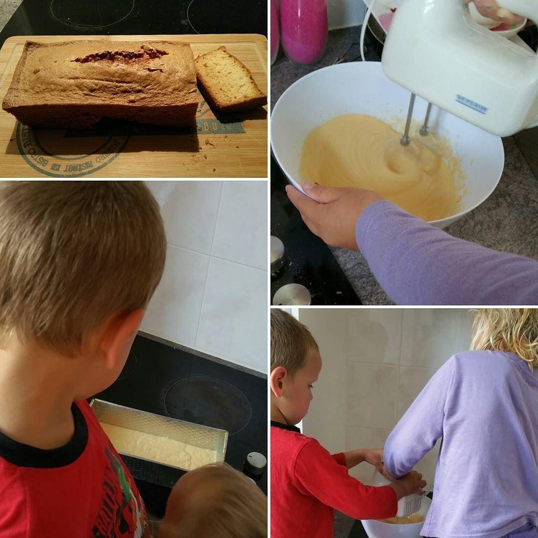 Vanavond lekker cake gemaakt met de kinderen.