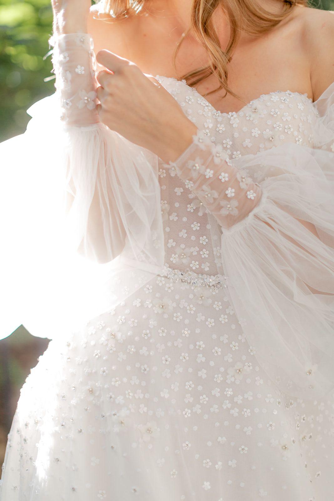 Lee Petra Grebenau Jadore Gown Wedding Dress Necklines Wedding Dresses Wedding Corset