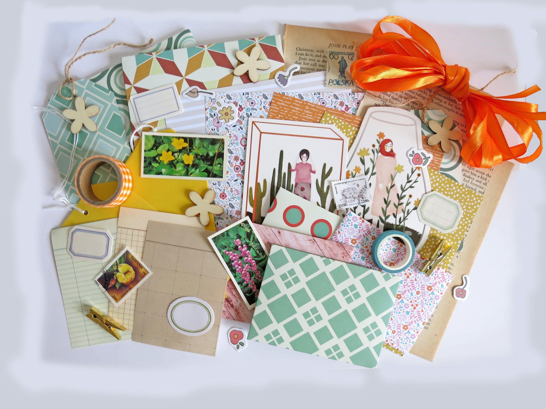 Retro Floral Themed Letter Writing Set For Snail Mail Penpal Etsy In 2020 Handmade Envelopes Vintage Paper Pen Pal Letters