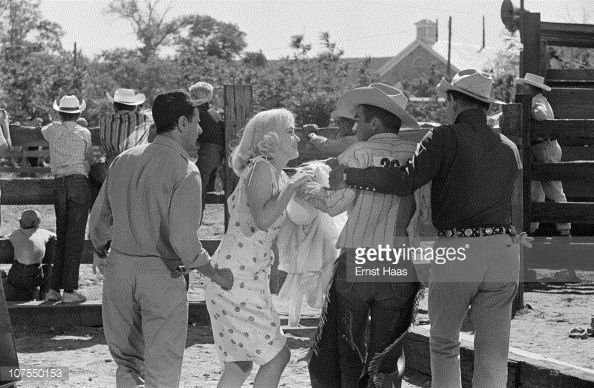 From left to right American actors Eli Wallach Marilyn Monroe Montgomery Clift and Clark Gable during the location shoot of 'The Misfits' in the...