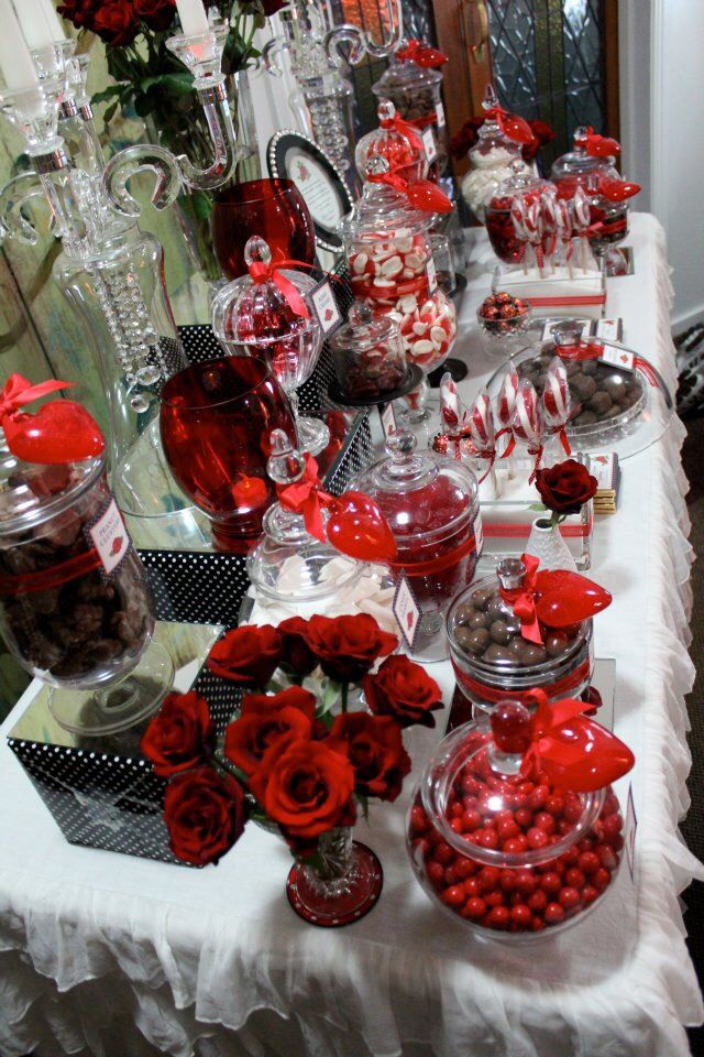 red black white candy buffet projects to try in 2019 candy rh pinterest com