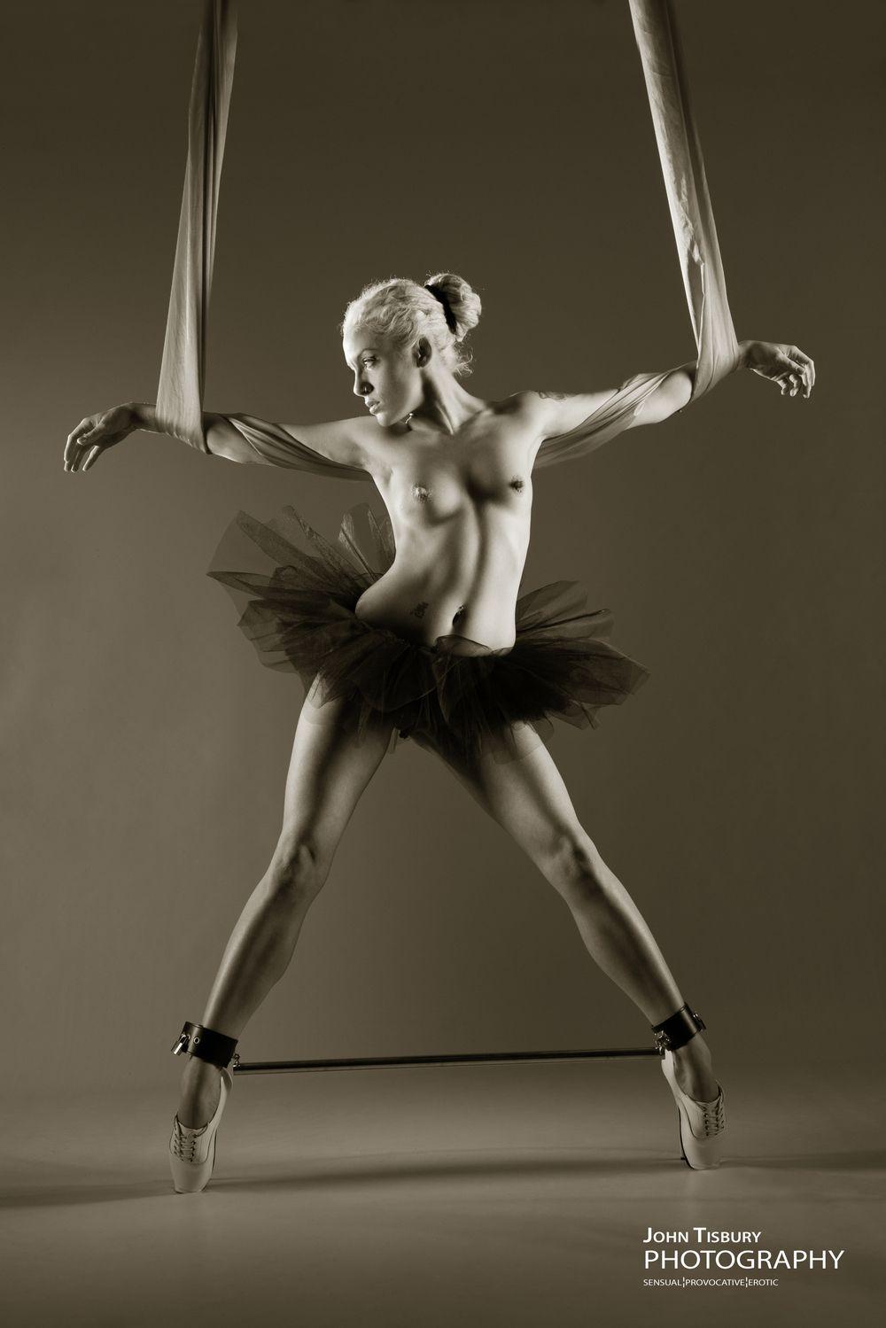 Попок раком бдсм балерины подвес секс массаже