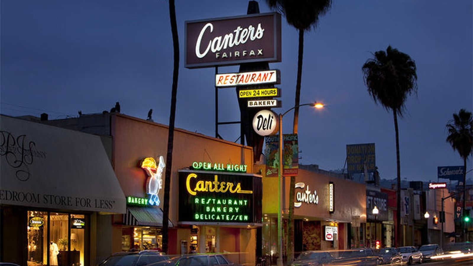 La S 19 Best Late Night Dining Restaurants Hollywood Restaurants Canter Los Angeles Restaurants