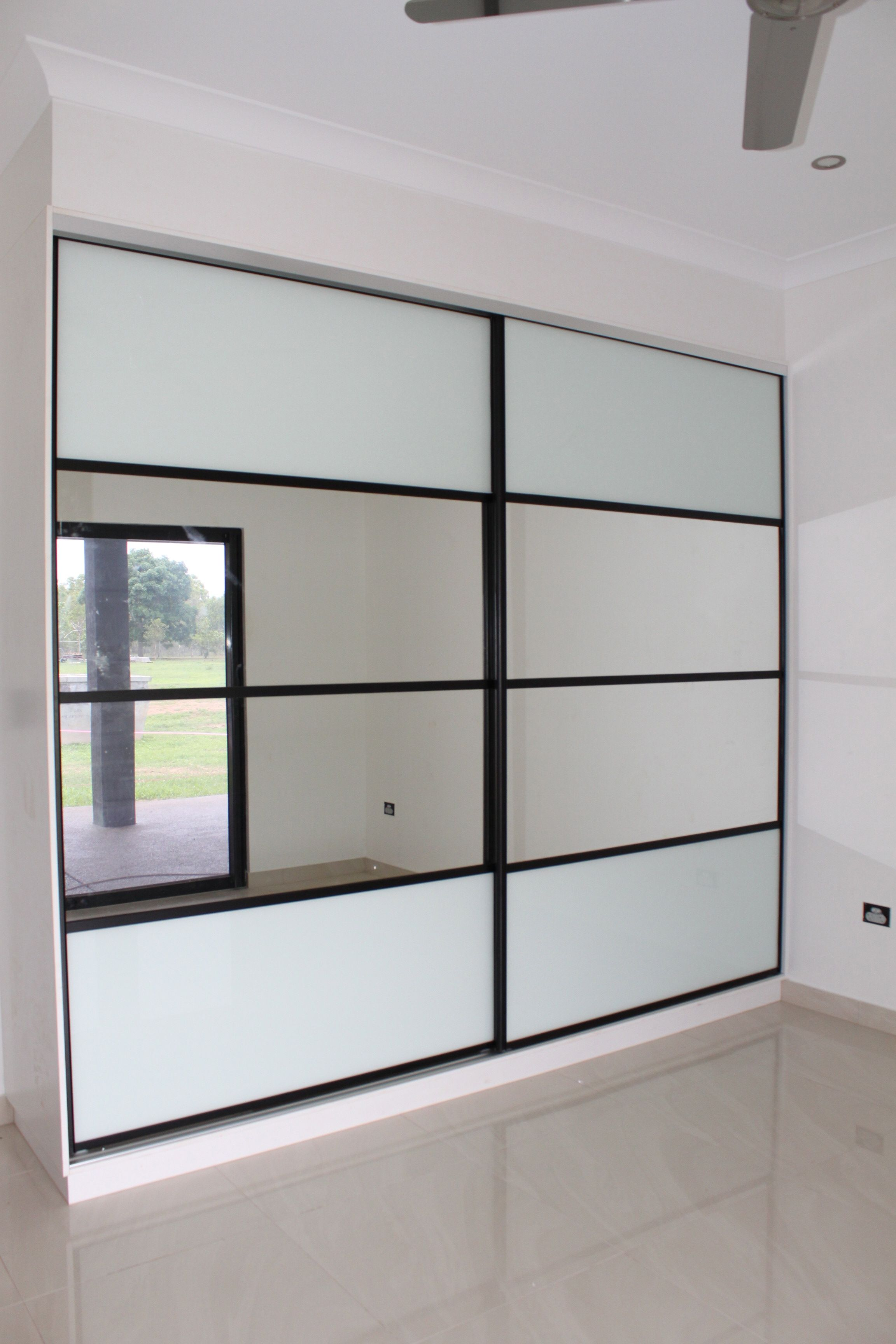3 panel mirror sliding closet doors - Sliding Wardrobe Doors Composite 4 Panel Doors White Glass Mirror Black Frames