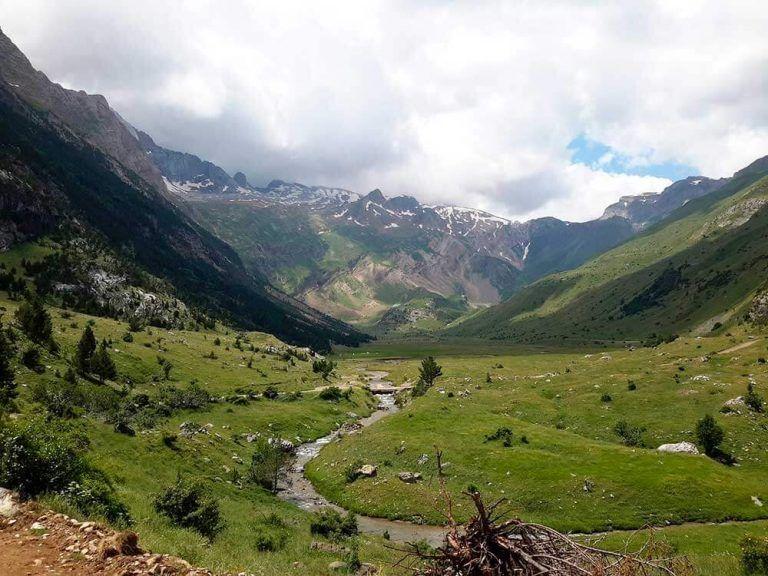 Ruta Por El Pirineo Aragonés Naturaleza Historia Y Pueblos Medievales En 2020 Lugares Para Visitar Viajar Por España Pirineo Aragones