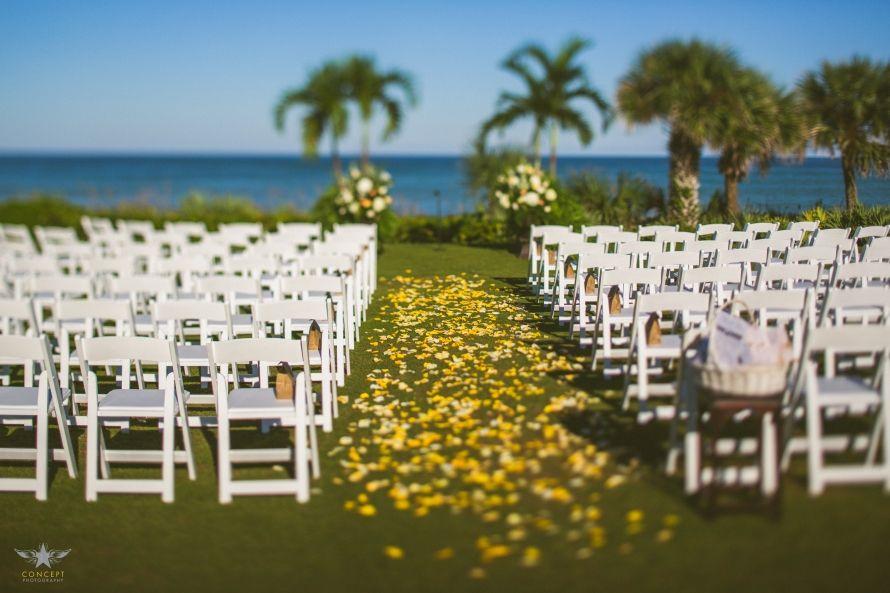 Andrea Drew Beach Chic Wedding In Vero Beach Fl Vero Beach Waterfront Wedding Venue Waterfront Wedding