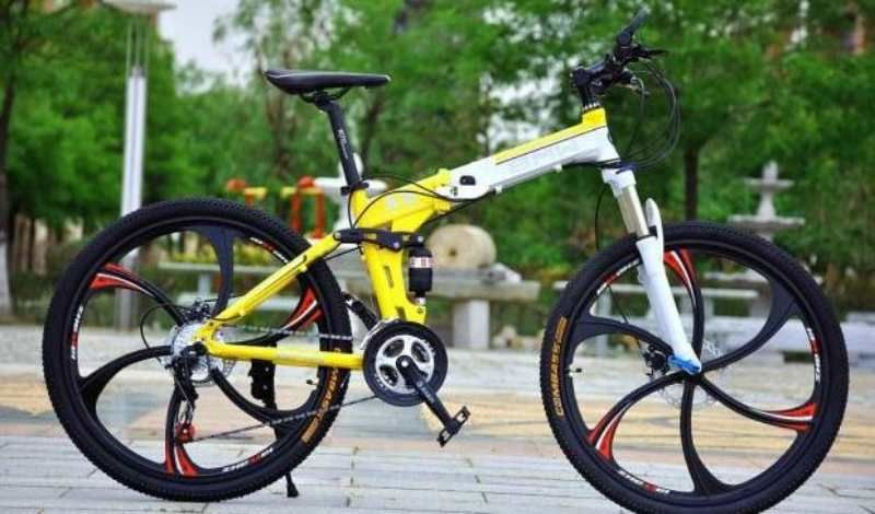 Bicycle Helps You Fly Through Your Weekend Travel Check Out These Bmw Land Rover Mercedes And Porche Bicycles For Your A Bike Lovers Cycling Fashion Bicycle