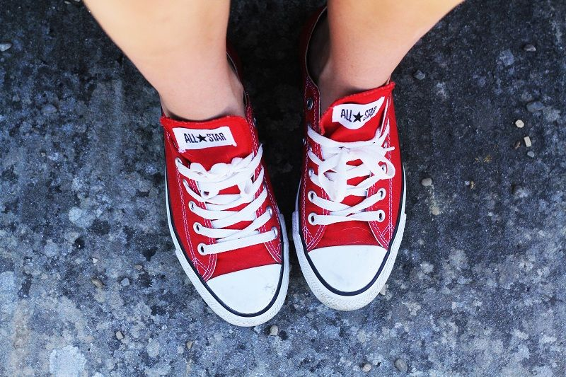 #Outfit #look casual con #converse rosse. #streetstyle from Irene's Closet blog www.ireneccloset.com