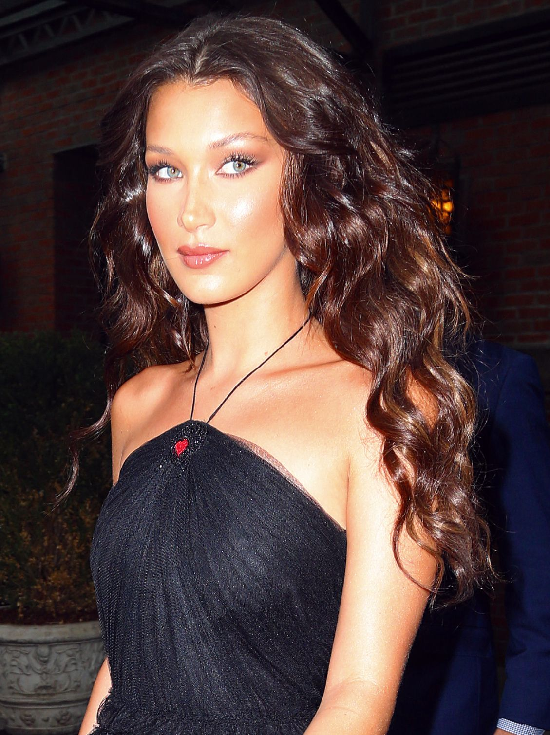 Bella Hadid Is Rocking Curly Hair and Bringing Back thePerm forecast