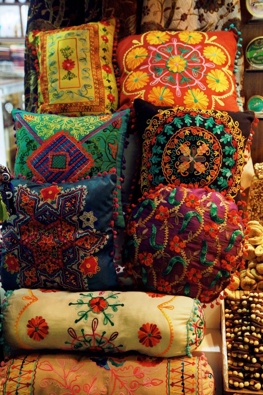 Gyclli Turkish Pillows Istanbul Spice Market Istanbulturkey - Cojines-arabes