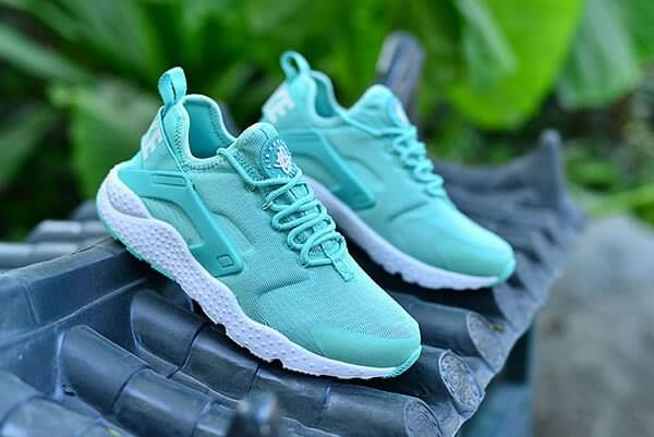 Detailed look at the Mint Green Huarache Ultra. Coming soon. http    d3d3778c93c
