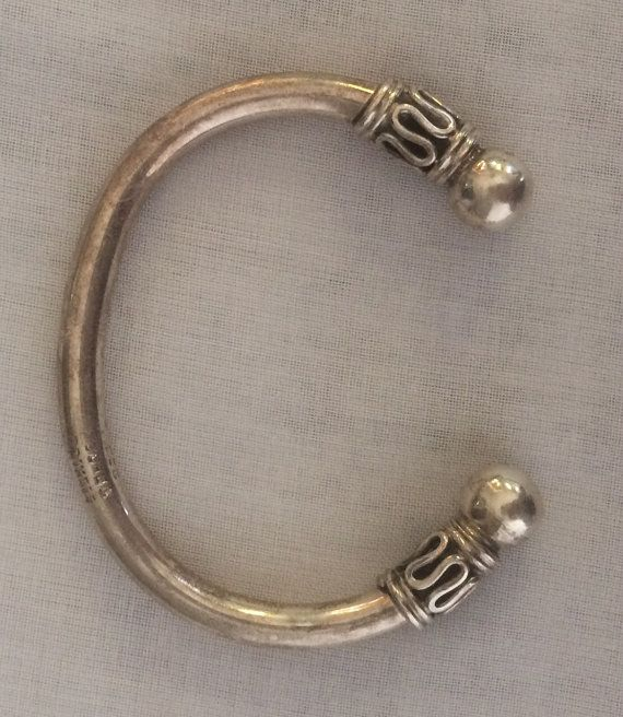 8ac0101ef207 Mexico Taxco plata 925 Cable brazalete pulsera Marcas de fabricante  México  TC223 925 Medidas aprox.  2.5 el interior diámetro de la pulsera.