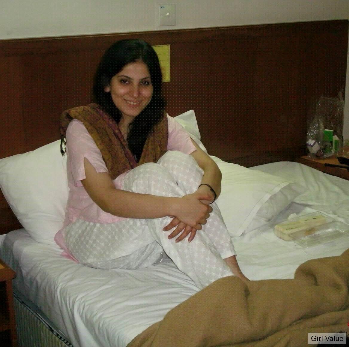 Hot Desi Girl In Salwar Kameez  Salwar Kameez-3205