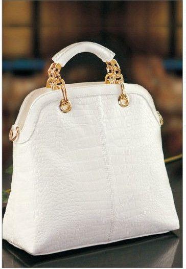 acc02311adfb Louis Vuitton Outlet