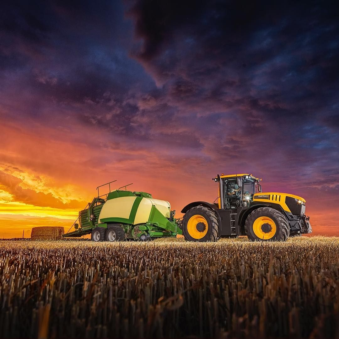 This Stunning Photo Is Of The New Jcb Fastrac 8000 Series Coming To A Field Near You Fastracfriday New Holland Fond D Ecran Abstrait Tracteur Agricole
