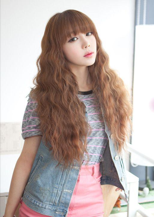Pin By Kimheak Seng On Asian Style Curly Girl Hairstyles Korean Wavy Hair Curly Hair Styles