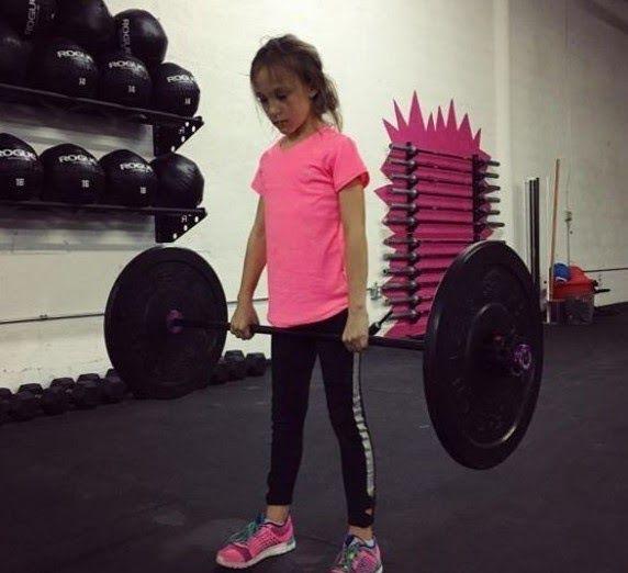 #HeyUnik  Ini dia Gadis Berusia 9 Tahun Paling Kuat di Dunia....Bikin Bengong deh #Olahraga #Pendidikan #Sosial #YangUnikEmangAsyik