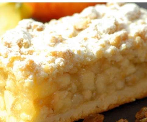 Apfelkuchen vom Blech mit Streuseln