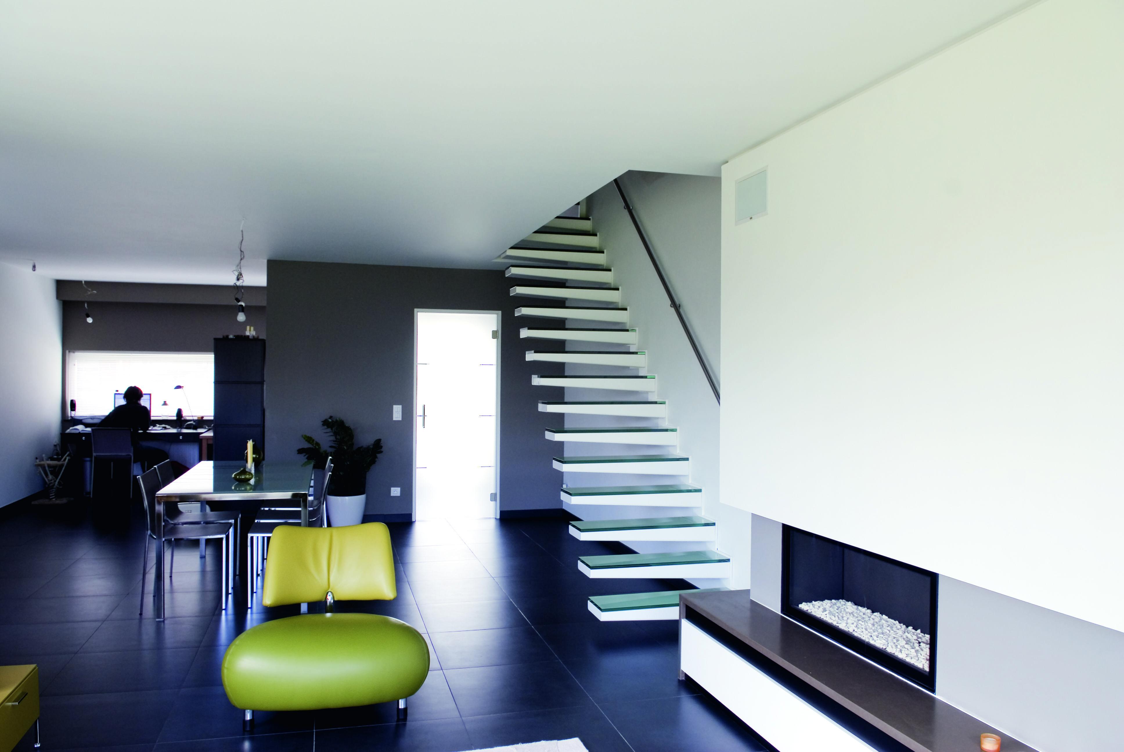 Zwevende trap met glastreden genico inspiration interior