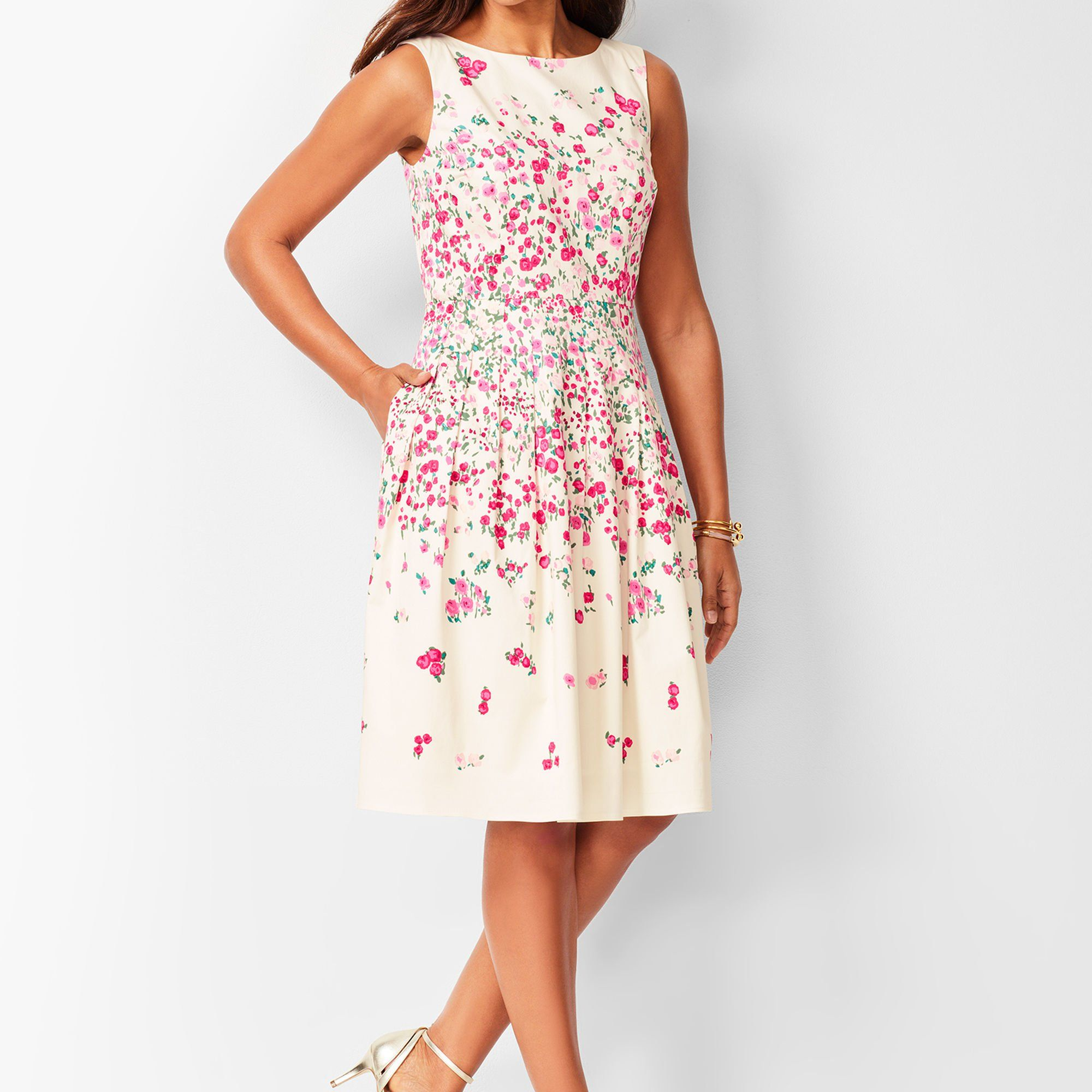 Floral Print Crisscross Fit Flare Dress Forever 21 Fit And Flare Dress Outfits Cute Dresses [ 1125 x 750 Pixel ]