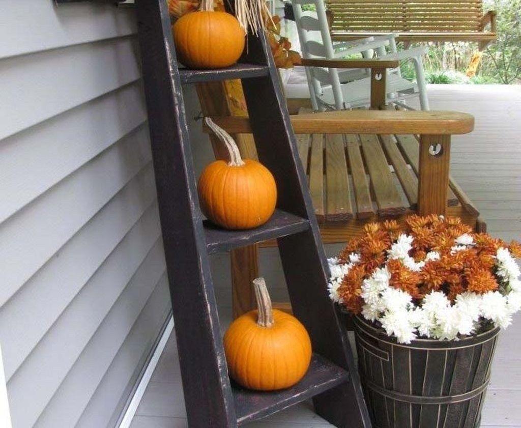 Elegant Fall Porch Decor Ideas For Your Home 27 home #remodelling #elegant #fall #porch #decor #ideas #for #your #home #27