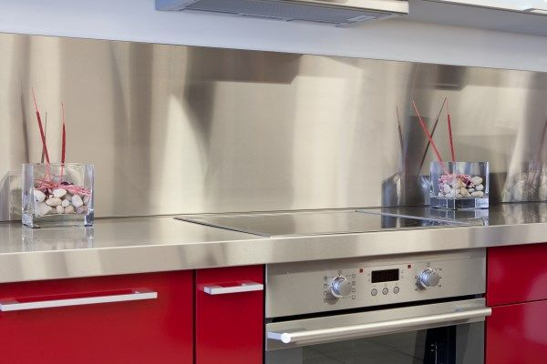 Wonderful Amazing Stainless Steel Kitchen Backsplash   Turn Your Regular Kitchen Into  These Modern Stylish Kitchen With