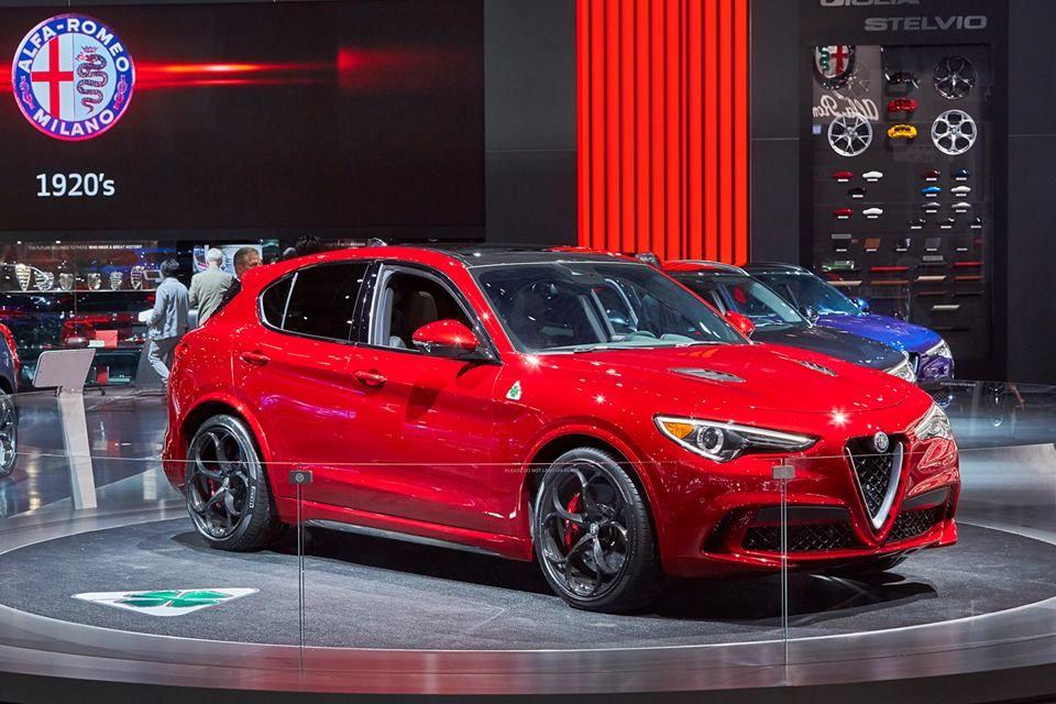 Alfa Romeo è protagonista al Salone di News York 2017 con la gamma completa dello Stelvio