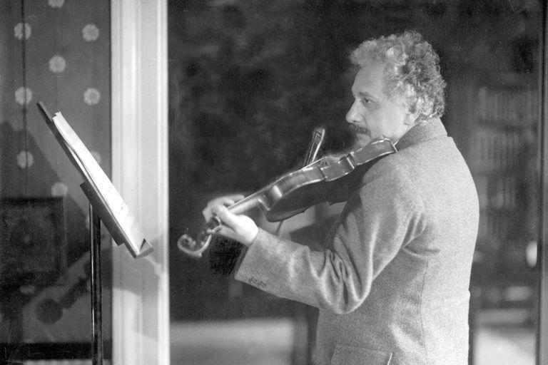 Pin Auf Einstein