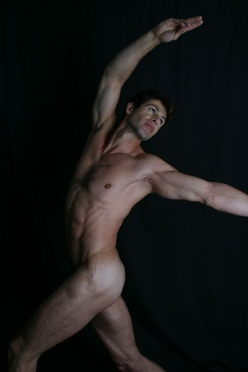 Dancer naked guy — photo 11