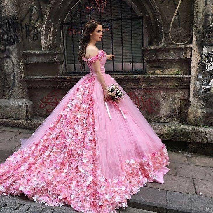 Pin de Joey Barragan en Pink | Pinterest | Vestido de 15 año, 15 ...