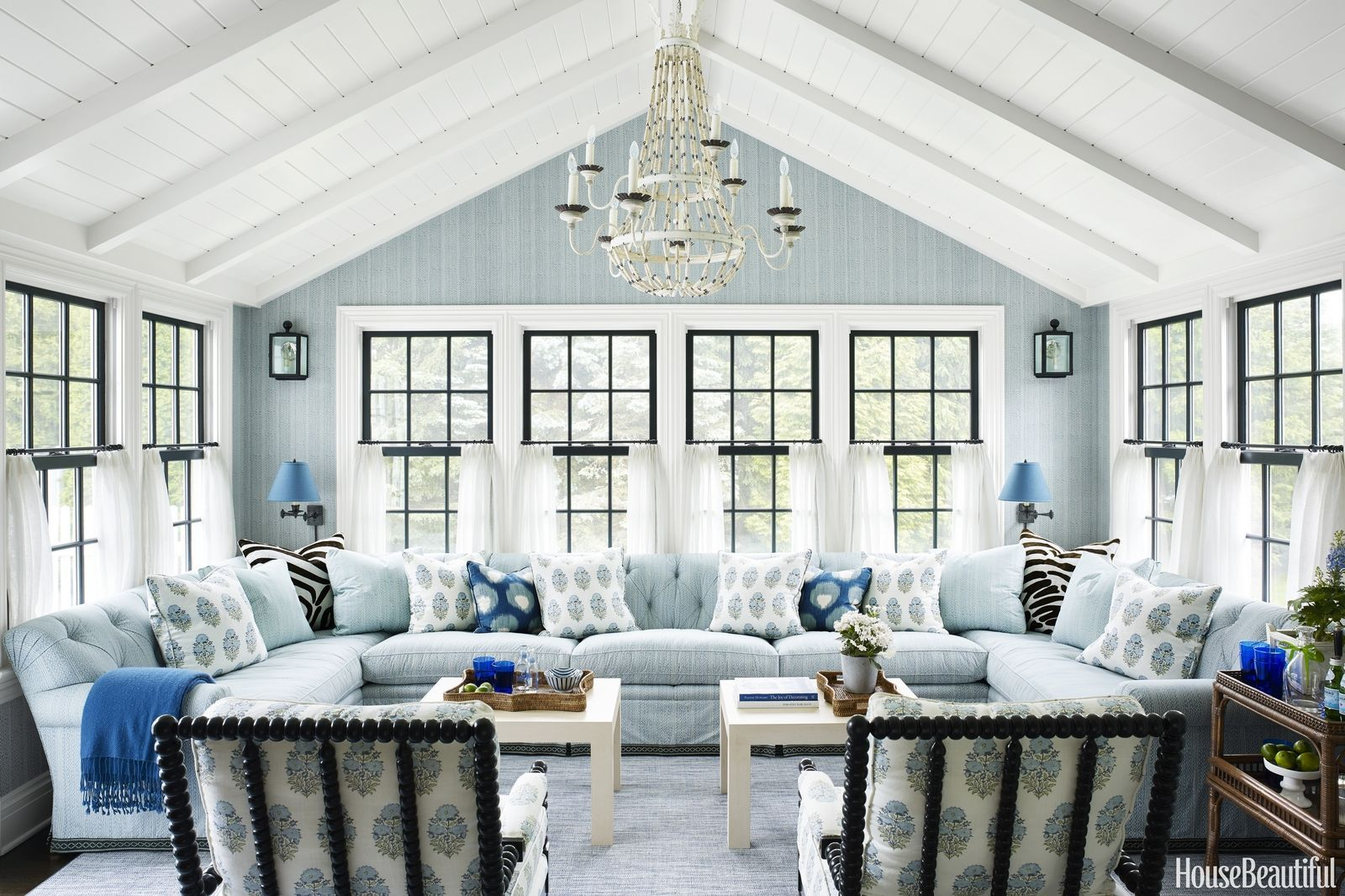 Architectural Details and Charming Florals Upgrade a New England ...