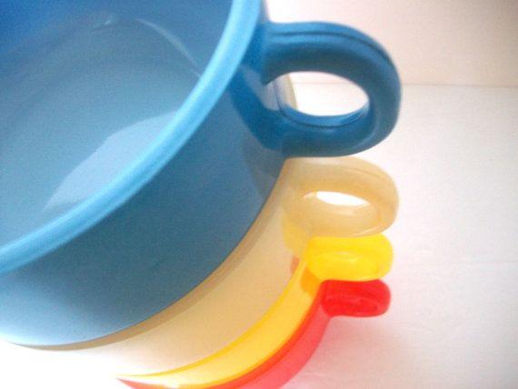 $30 @Christa Gee @Etsy! #vintage #glasbake #retro #kitchen #vibrant #summer #rainbow #brigteam