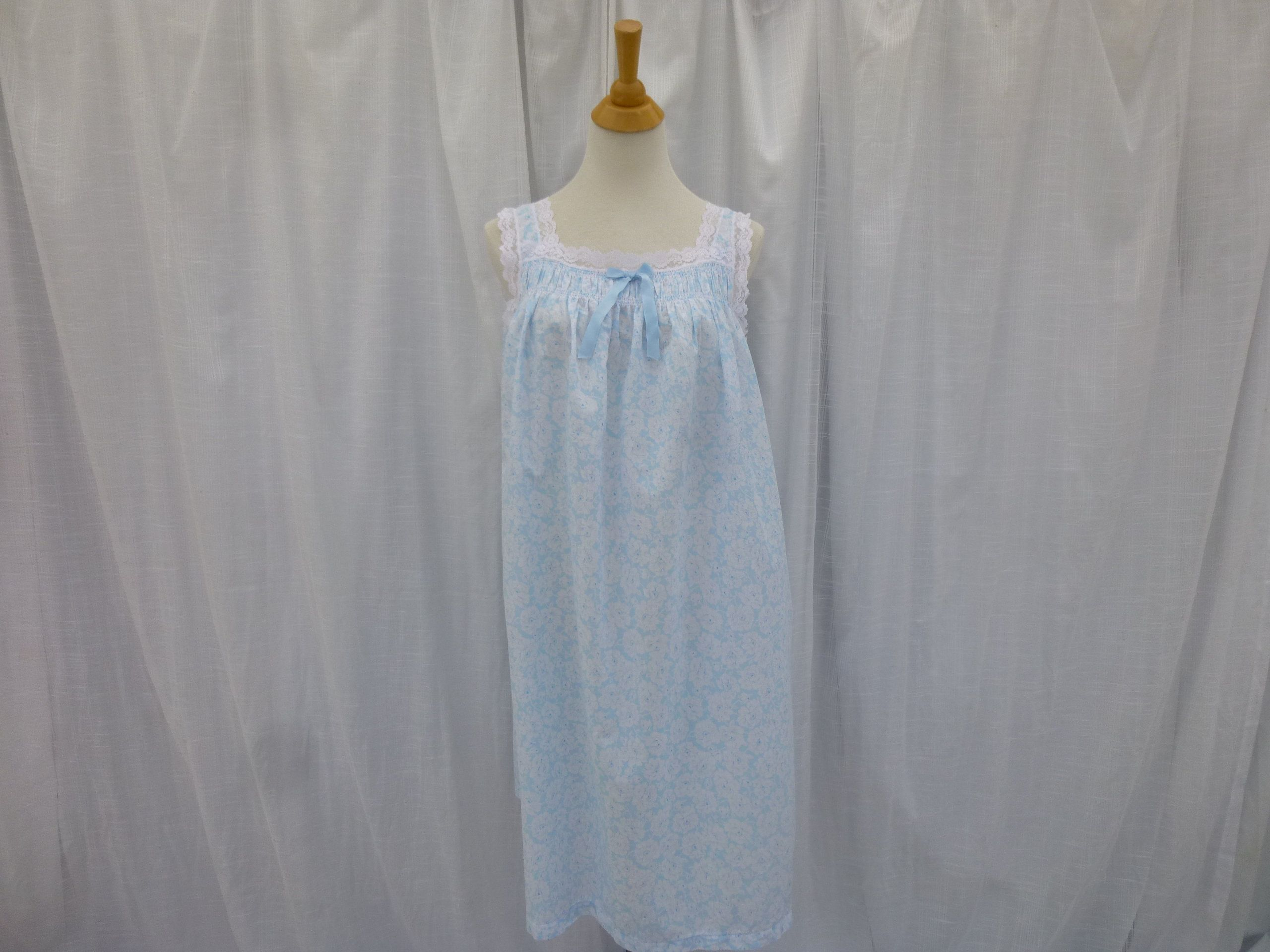 Vintage 60s Schrank Floral Lacy Cotton Nightgown L Light Blue White Rose Flowers Lace Sleeveless Granny Pajamas In 2020 Night Gown Cotton Nightgown Retro Dress Shirts