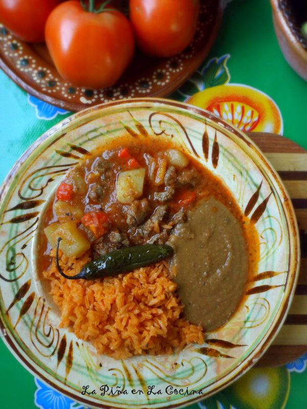 Carne Guisada Con Papa & One Step Closer - La Piña en la Cocina #carneconpapas