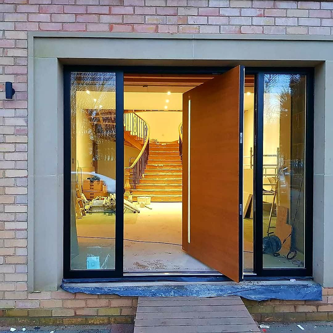 Haustür Aluminium Golden Oak Rk Door Systems Pivot Door Golden Oak Ral 9005 Frame Haustür