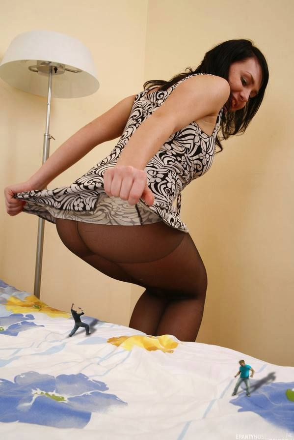 Giantess in pantyhose pictures