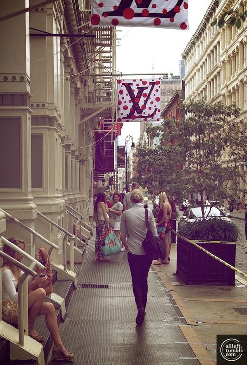 Soho; Louis Vuitton is at 116 Greene Street, just south of Spring Street; Photo by Alberto Reyes... Shopped there ;)