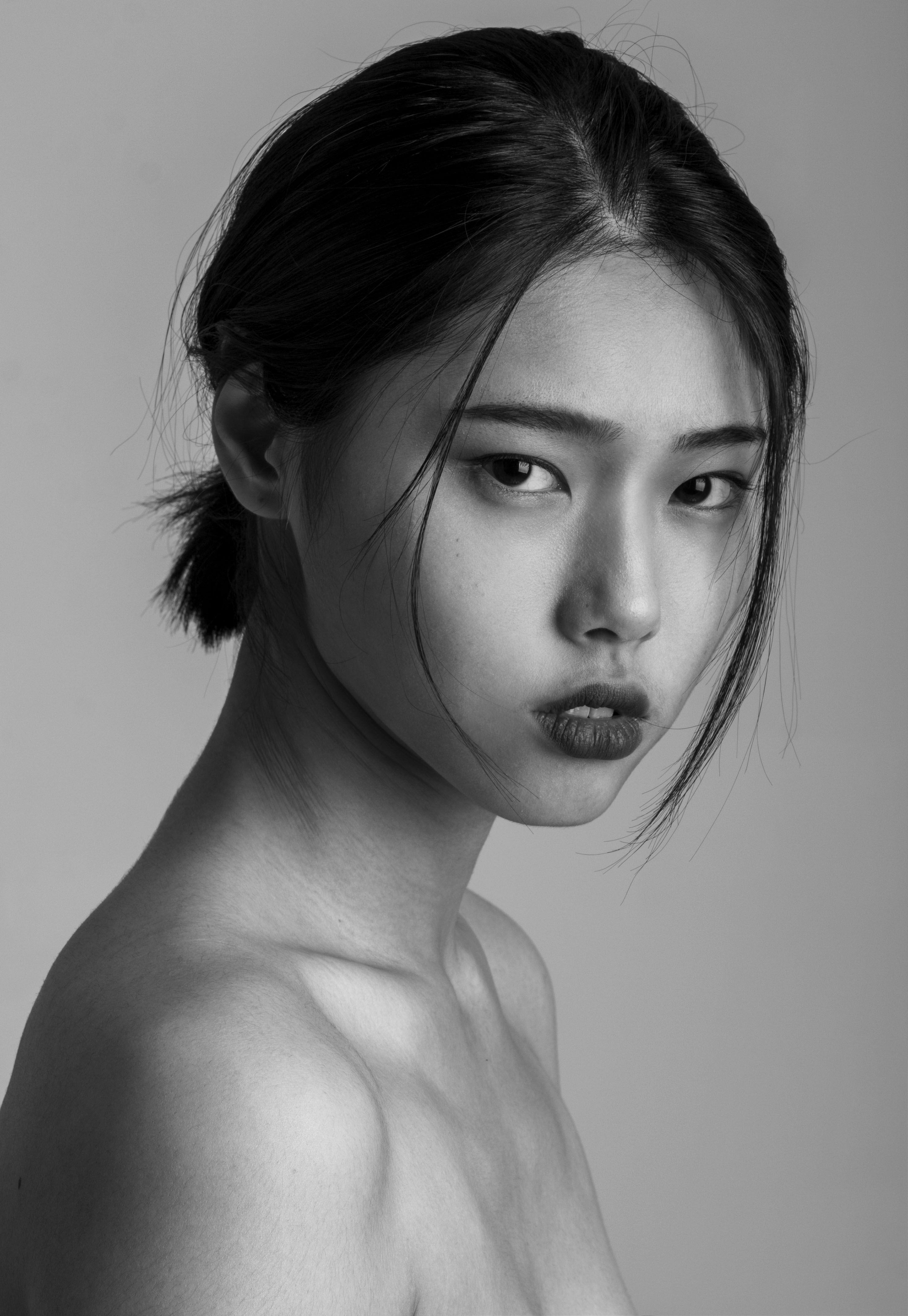 Koreanische Fotografie –  Portrait schwarz & weiß  – #fotografie #koreanische #womenclothing #womendress