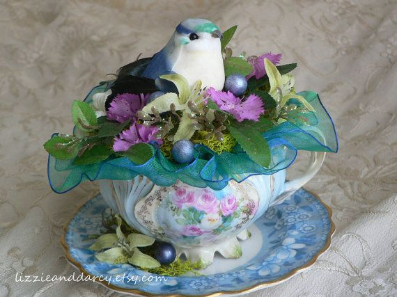 Turquoise Fuchsia Flower Repurposed Vintage China Teacup Bird Nest Arrangement On Etsy 29 00 Tutorial Per Fiori Di Carta Decorare Tazze Centrotavola