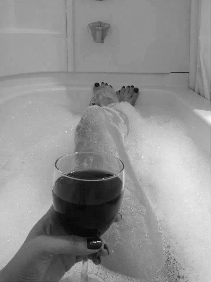 Pretty Toes, Relaxing Bath  A Glass Of Wine Id Love -2744