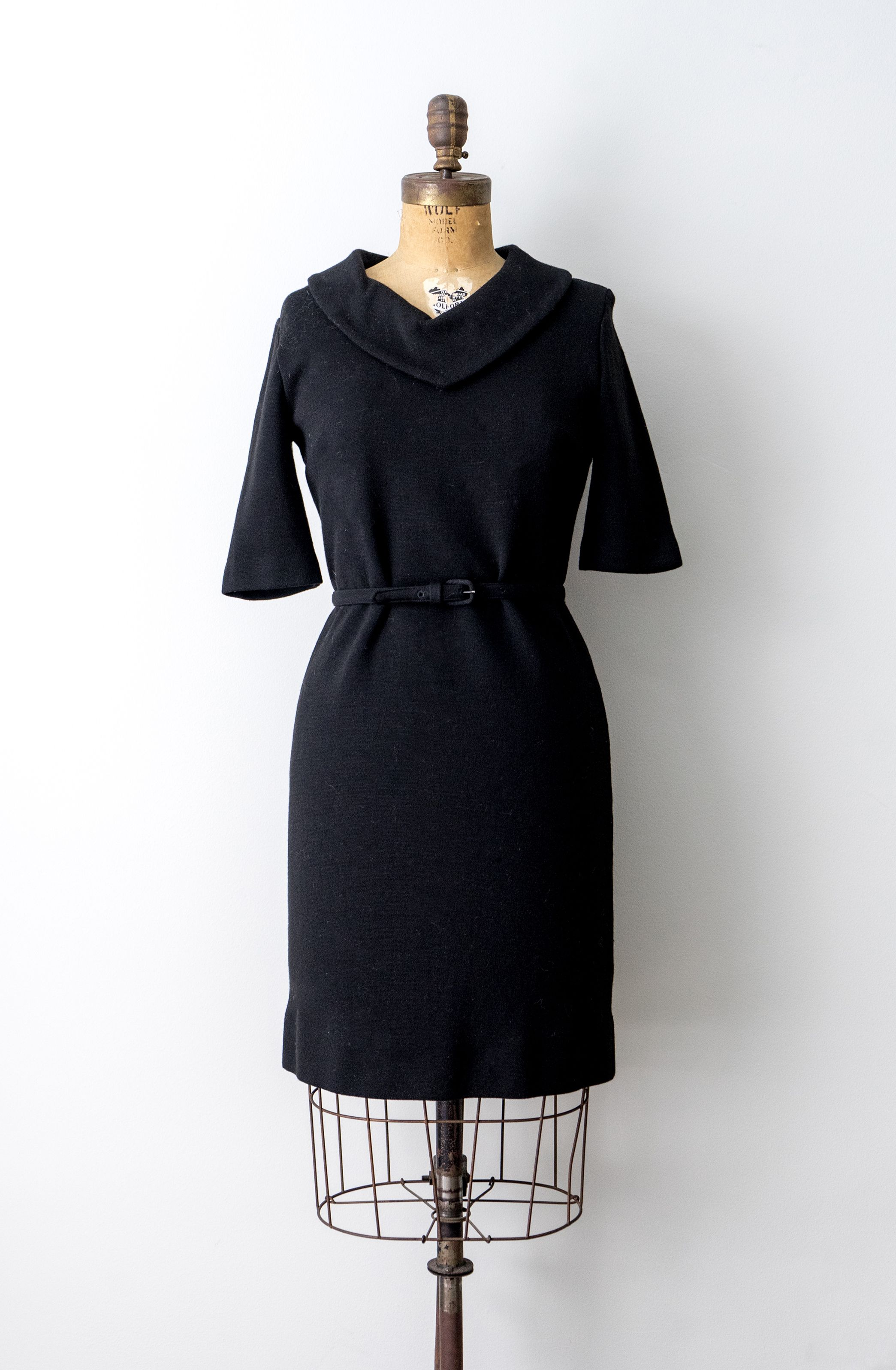 60 S Black Knit Dress 1960 Belt Dress Medium Collared Etsy Black Knit Dress Knit Dress Knit Sheath Dress [ 3192 x 2089 Pixel ]