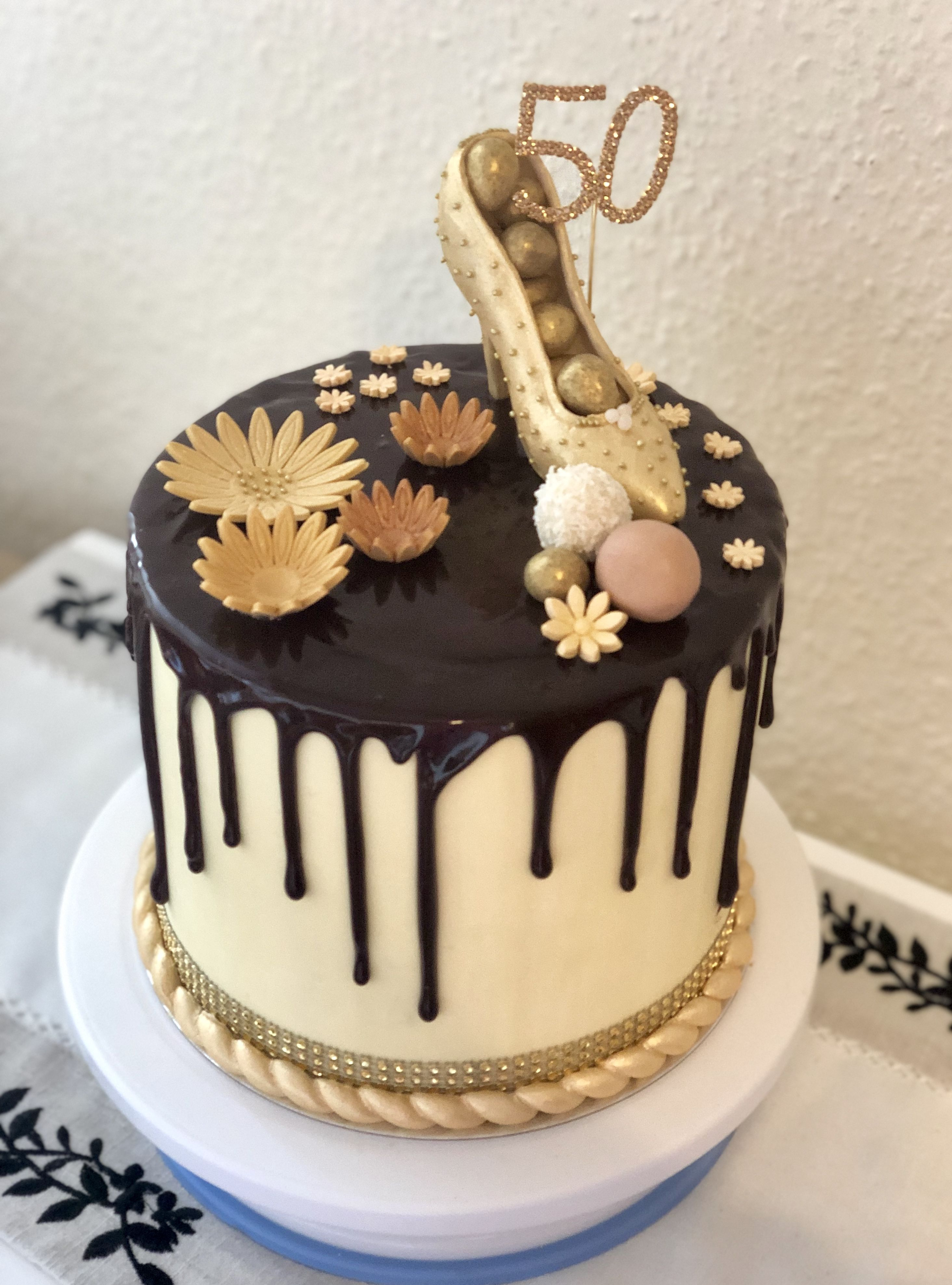 edible cake images store near me