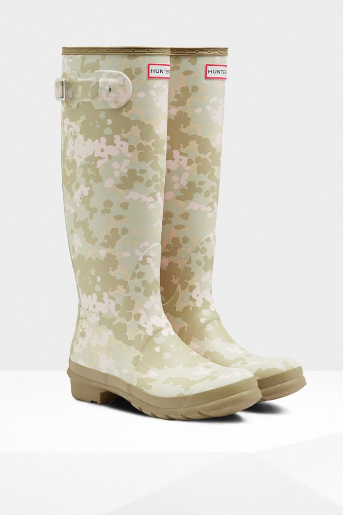60 Patterned Rain Boots That Are Anything But Boring Outdoor Boots Extraordinary Patterned Rain Boots